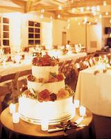 mw0604_sum04_rose_cake.jpg