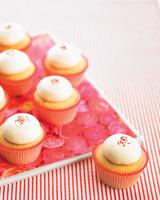 mwd105402_sum10_cupcake1.jpg