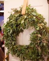 rw_0111_amy_kevin_wreath.jpg