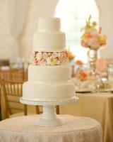 rw_0810_lauren_mike_cake.jpg