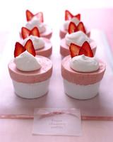 a99290_strawberrysouffles.jpg