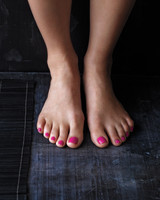 feet-nailpolish-mbd108851.jpg
