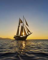 honeymoon-cruises-aman-0416.jpg