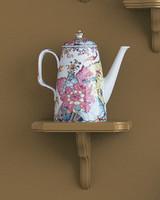 mw1004_fall04_floral_teapot.jpg