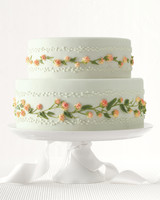 raspberry-cake-02-mwd109994.jpg