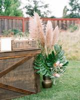 garden rustic wedding decor