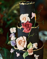 black wedding cake flowers gold