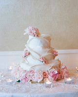 marwa-peter-wedding-cake-0414.jpg