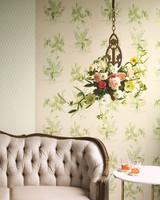 chandelier-flowers-293-d111124.jpg