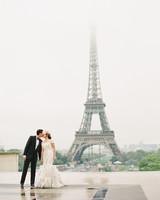 julie-eric-kiss-1012-mwds109913.jpg