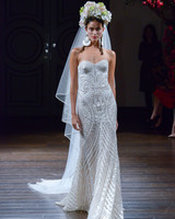 naeem-khan-fall2016-d112626-006.jpg