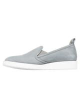 shoe-gray-img-9673-s112438-silo.jpg