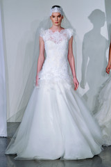 marchesa-fall2013-wd108745-002-df.jpg
