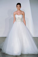 marchesa-fall2013-wd108745-014-df.jpg
