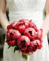 red wedding ideas brklyn view bouquet