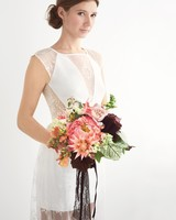 mmodel-holding-bouquet-278-d112266.jpg