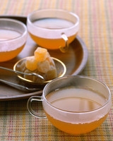 wa103106_fall07_ginger_apple_cider.jpg