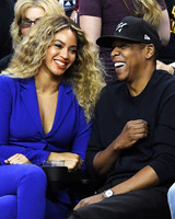 beyonce and jay-z at sports game