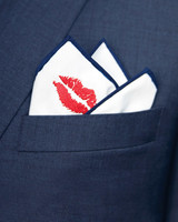 mwd105935_fall10_pocketsquare_20964.jpg