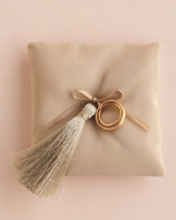 tassel-pillow-007-resized-mwd110357.jpg