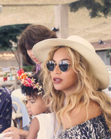 blue-ivy-flower-crown-instagram-0616.jpg