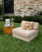 rw_0810_evan_mark_furnitureoutside12.jpg