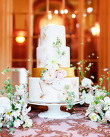 yiran yexiang wedding tiered cake display