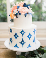 summer wedding cakes diamonds