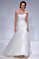 alfred-angelo-fall2012-wd108109-026-df.jpg