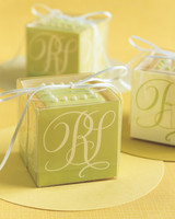 diy-favor-boxes-elegant-cube-sp05-0715.jpg