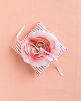 diy-ring-pillows-mwd105655-flower-0515.jpg