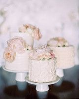 Wonderful Small Wedding Cakes With Flowers