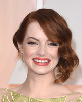 celebrity-wedding-makeup-emmastone-0915.jpg