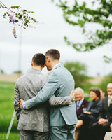 chase-drew-wedding-iowa-hug-310-s112425.jpg
