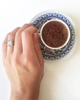 engagement-ring-selfies-coffee-cup-0216.jpg
