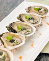 foodie-honeymoons-wauwinet-oysters-1115.jpg