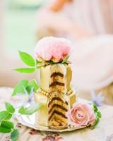 gold mini cake