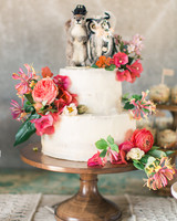 lara-chad-wedding-cake-164-s112306-1115.jpg