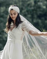laure de sagazan sleeve headband veil spring 2018 wedding dress