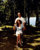 msw_travel09_on_the_swing_tereasa_david.jpg