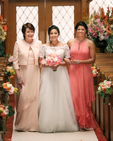 tv-wedding-dresses-jane-the-virgin-0516.jpg