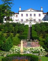 ws106292_sip10_w_villa_terrace_garden08.jpg