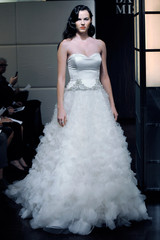badgley-mischka-fall2013-wd108745-002-df.jpg
