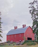 wedding red barn