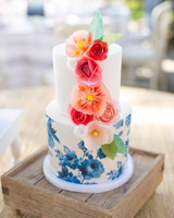 jess-clint-wedding-cake-259-s111420-0814.jpg