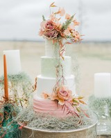 summer wedding cakes pastels