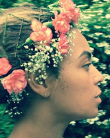 beyonce-flower-crown-coral-instagram-0616.jpg