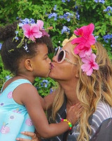 beyonce-flower-crowns-kiss-instagram-0616.jpg