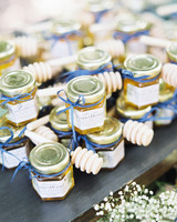 honey pot and dipper edible wedding favor