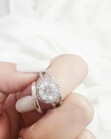 engagement-ring-selfies-white-sheets-0216.jpg